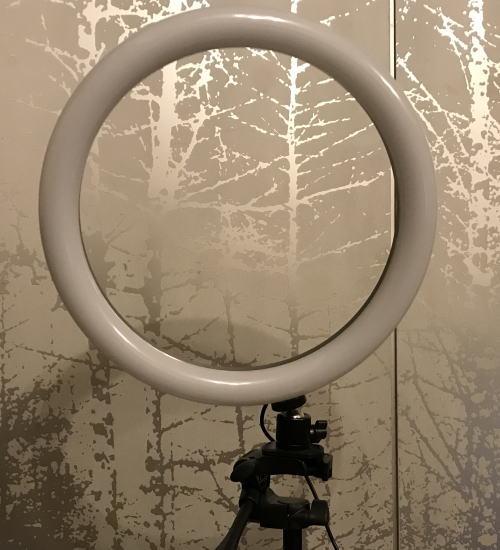 amazonレビュー用具のリングライト